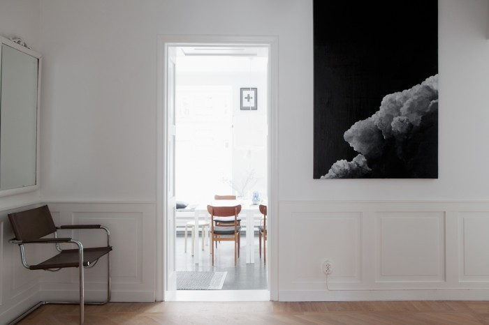 cloud-painting-and-bauhaus-chair-700x466